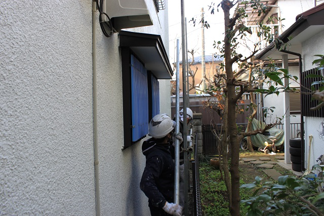 入間市 外壁塗装 単管足場 狭小