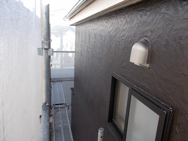 所沢市上安松の外壁上塗り施工